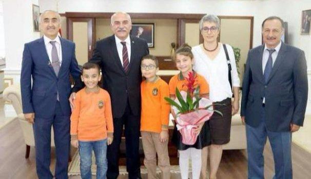 Öğrencilerden Vali İpek'e Ziyaret