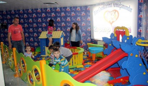 Devlet Hastanesine çocuk parkı kuruldu