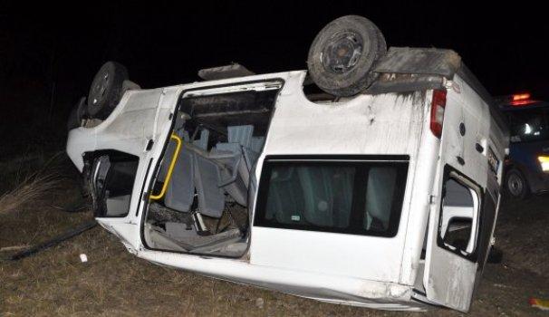 Cenaze yolunda kaza: 1 ölü, 11 yaralı - Vitrin Haber