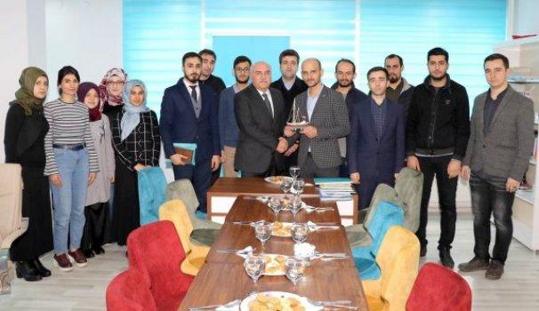Vali İpek'ten TÜGVA ziyareti - Vitrin Haber