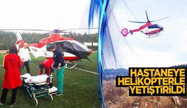 Yaralı çocuk helikopterle hastaneye yetiştirildi