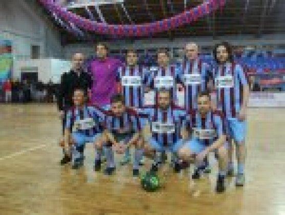 Trabzonspor'un efsane futbolcuları karşı karşıya geldi