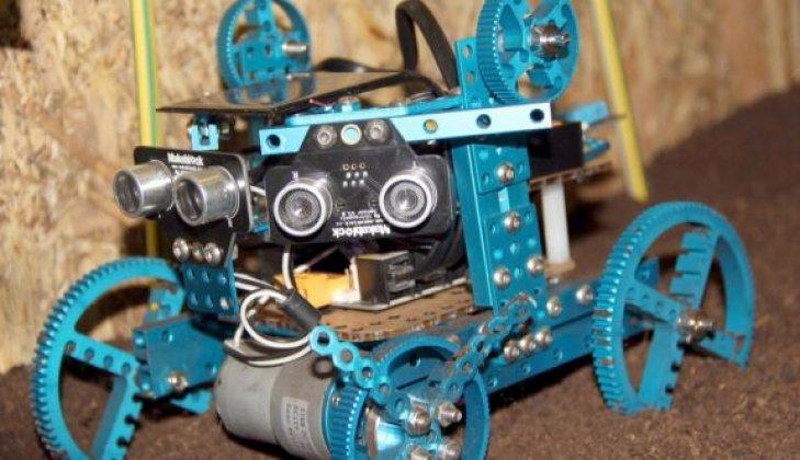 """Roboçapa"" isimli robot sergiye damga vurdu"