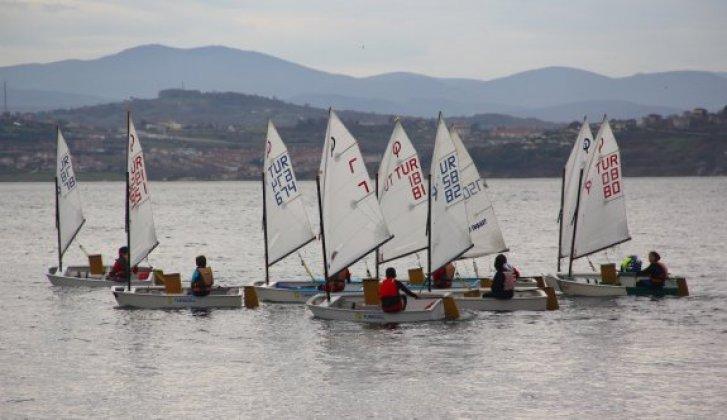 Deniz Şehitlerini Anma yelken yarışları düzenlendi - Vitrin Haber