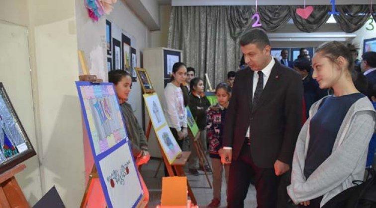 Boyabat'ta görsel sanatlar sergisi açıldı