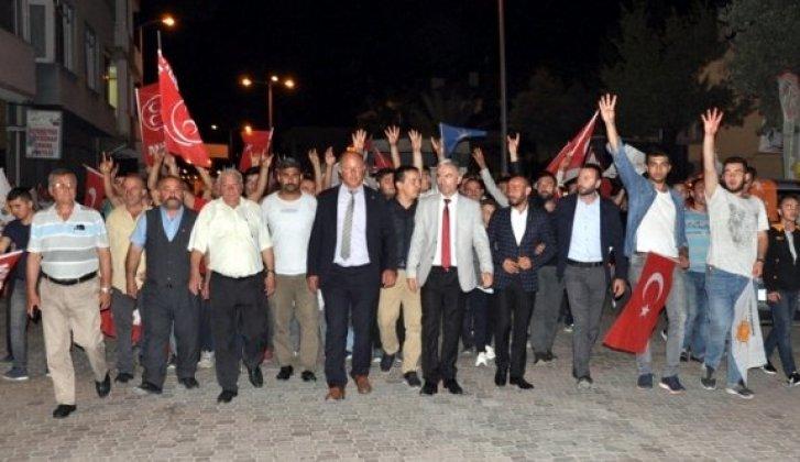 AK Parti ve MHP teşkilatından coşkulu kutlama - Vitrin Haber