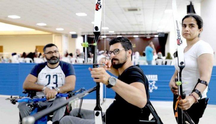 Silahlı saldırıda omurilik felci olan engelli Murat, hayata ok atarak tutundu - Vitrin Haber