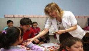 Bucalı Öğrencilere Diş Sağlığı Eğitimi Ve Flor Uygulaması