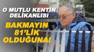 81 yaşında pazar filesi örüyor