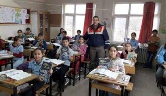 Jandarma'dan servis şoförlerine ve öğrencilere eğitim - Vitrin Haber