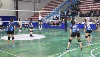 Gençler voleybolda mücadele etti - Vitrin Haber